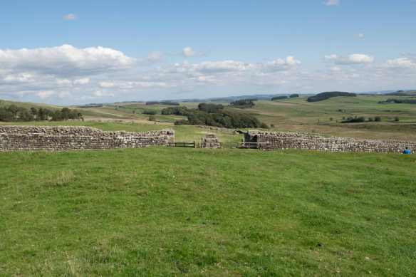 Housesteads west gate.jpg